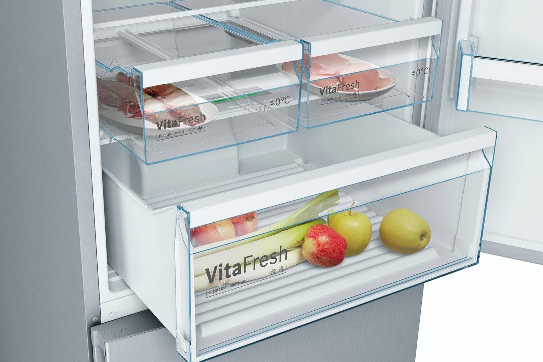 Bosch Serie 4 Freestanding Fridge Freezer | KGN56XL30