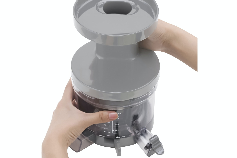 Smeg Retro Slow Juicer   Cream