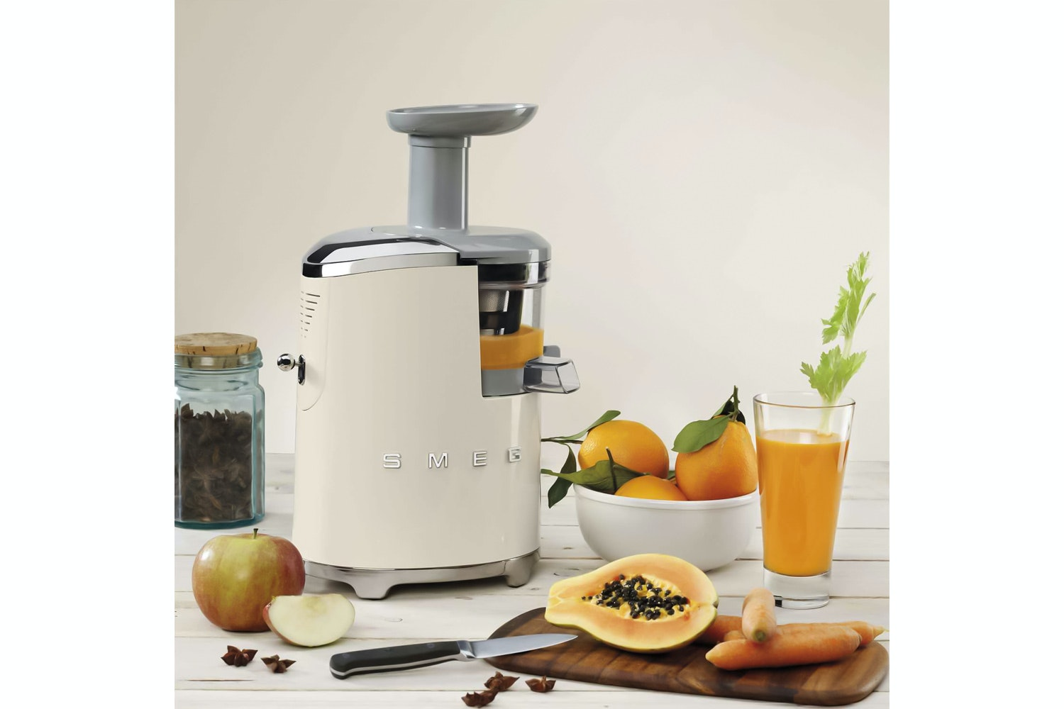 Smeg Retro Slow Juicer | Cream