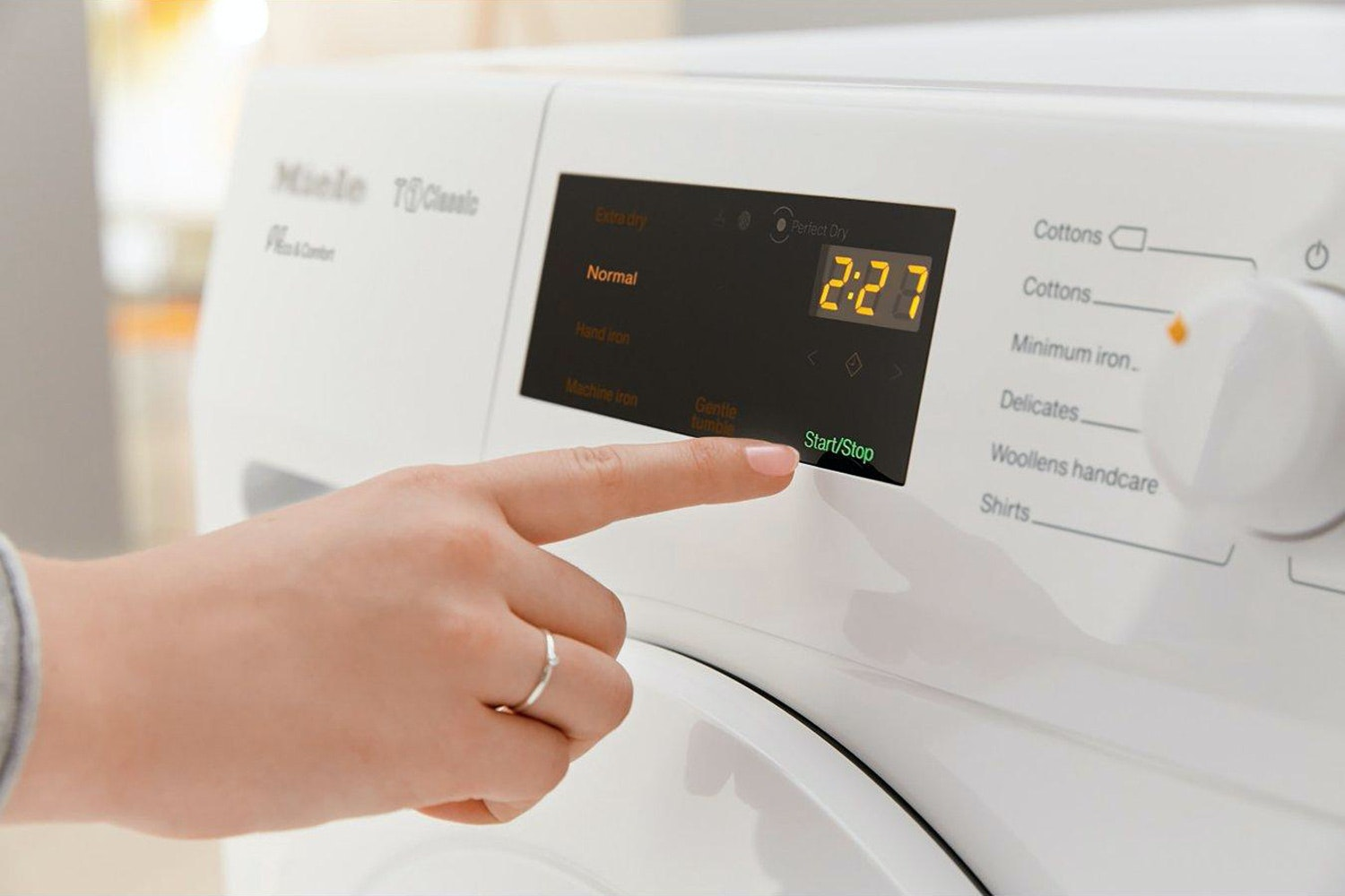 Miele 7kg Freestanding Heat Pump Tumble Dryer | TDB220