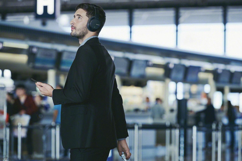 Sony WHCH700NB.CE7 Wireless Noise Cancelling Headphones