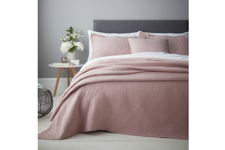 Stonewash Diagonal Bedspread | Blush