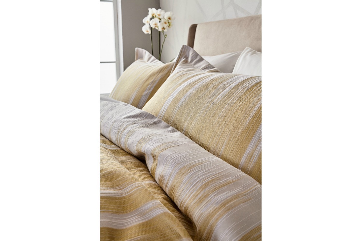 Motion Oxford Pillowcase | Ochre