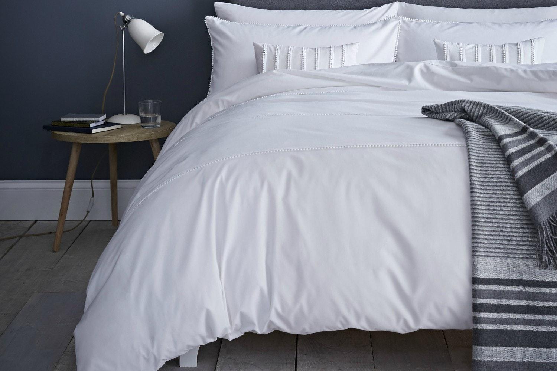 Pom Pom White Cushion