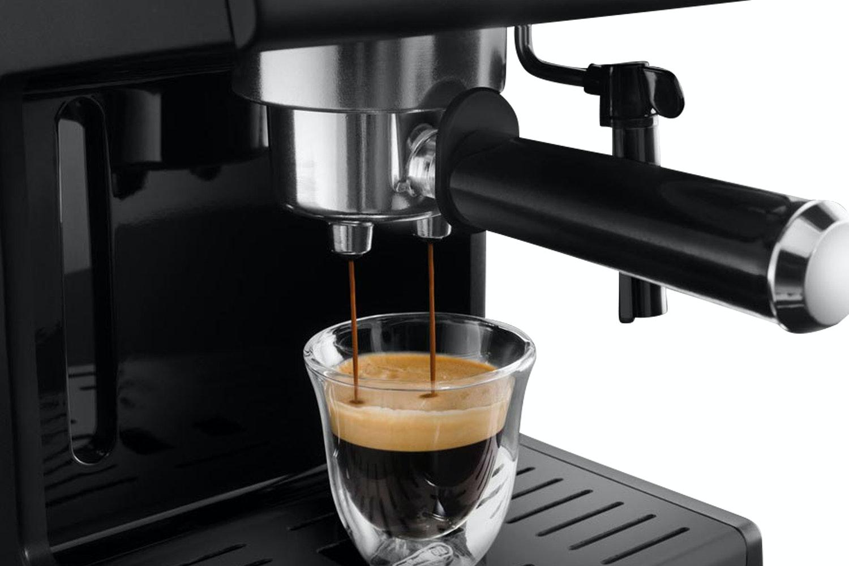 DeLonghi Pump Espresso Coffee Machine | ECP3121