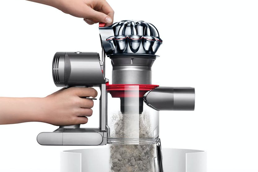 dyson v7 trigger handheld vacuum cleaner 231825 01 ireland. Black Bedroom Furniture Sets. Home Design Ideas