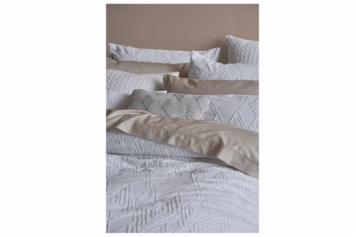 Bianca Casual White Cotton Diamond Duvet Cover Set | Double