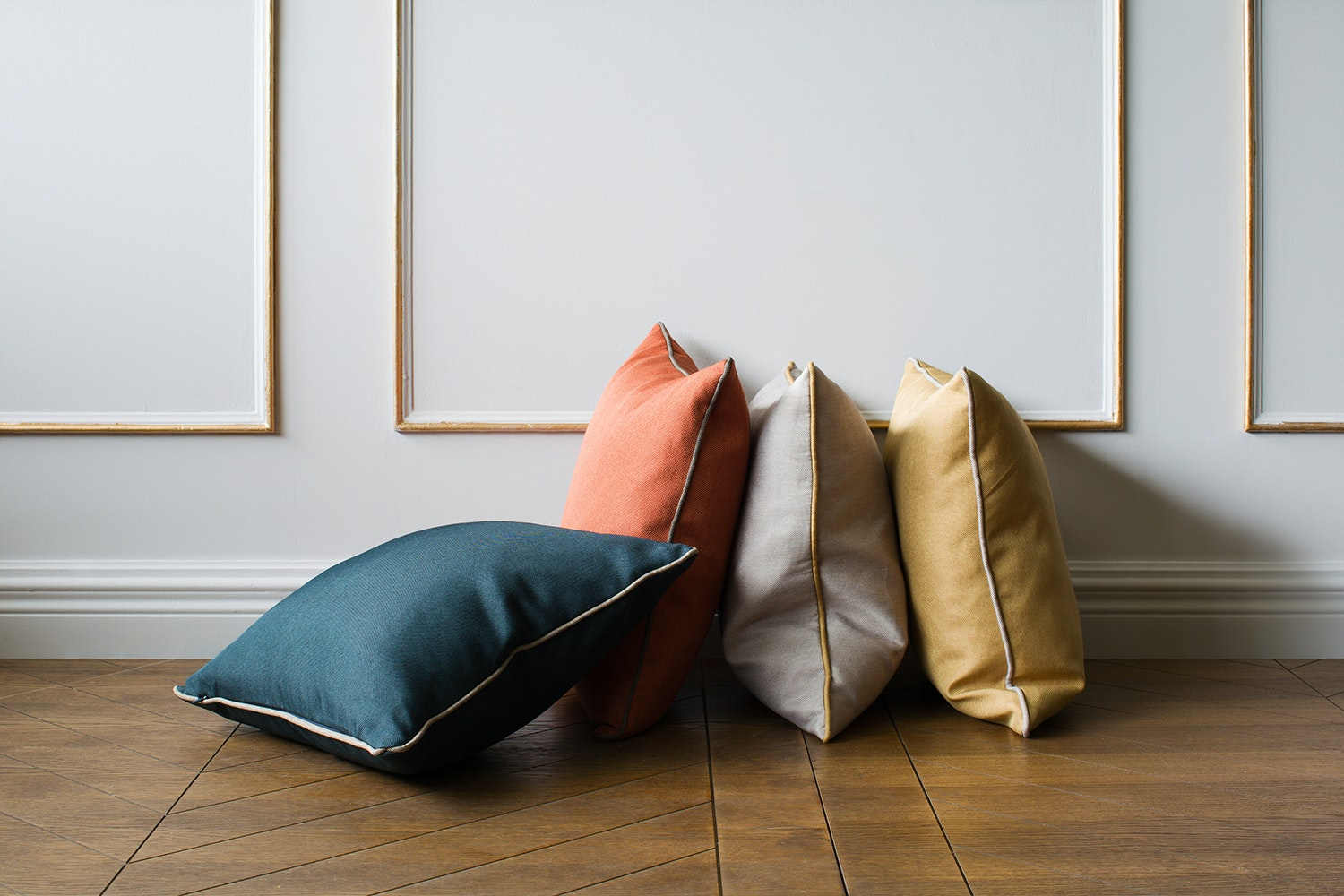 Bellucci Cushion | Light Grey & Ochre