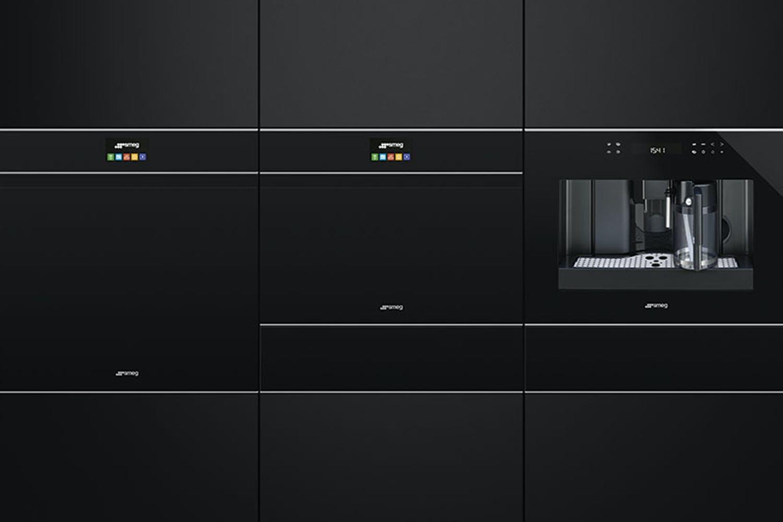 Smeg Dolce Stil Novo Microwave Oven   Black/Stainless Steel