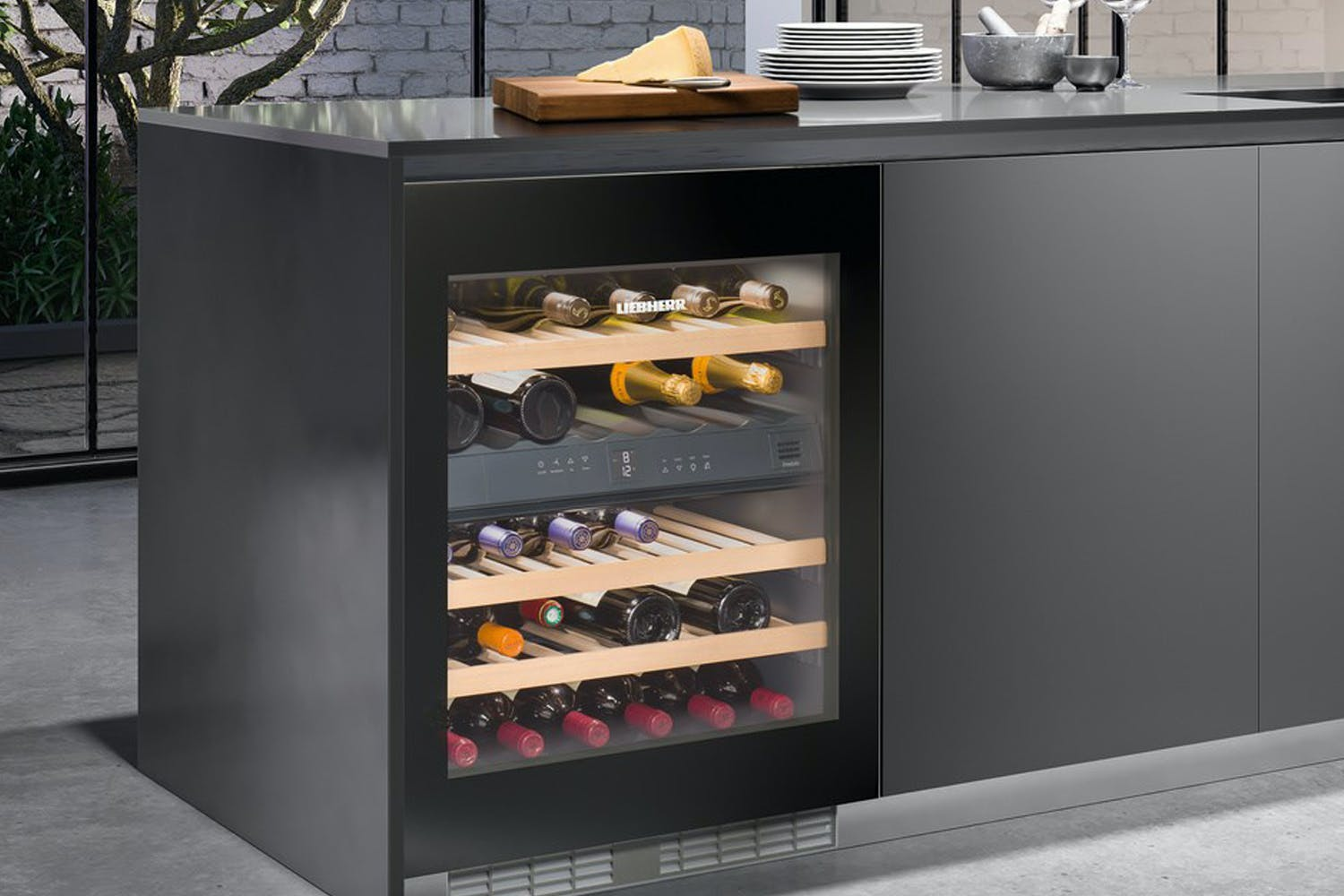 Liebherr Built-Under Wine Cooler | UWTGB1682