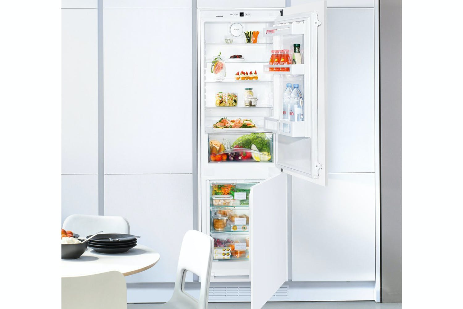 Liebherr Integrated Fridge Freezer | ICUNS3324