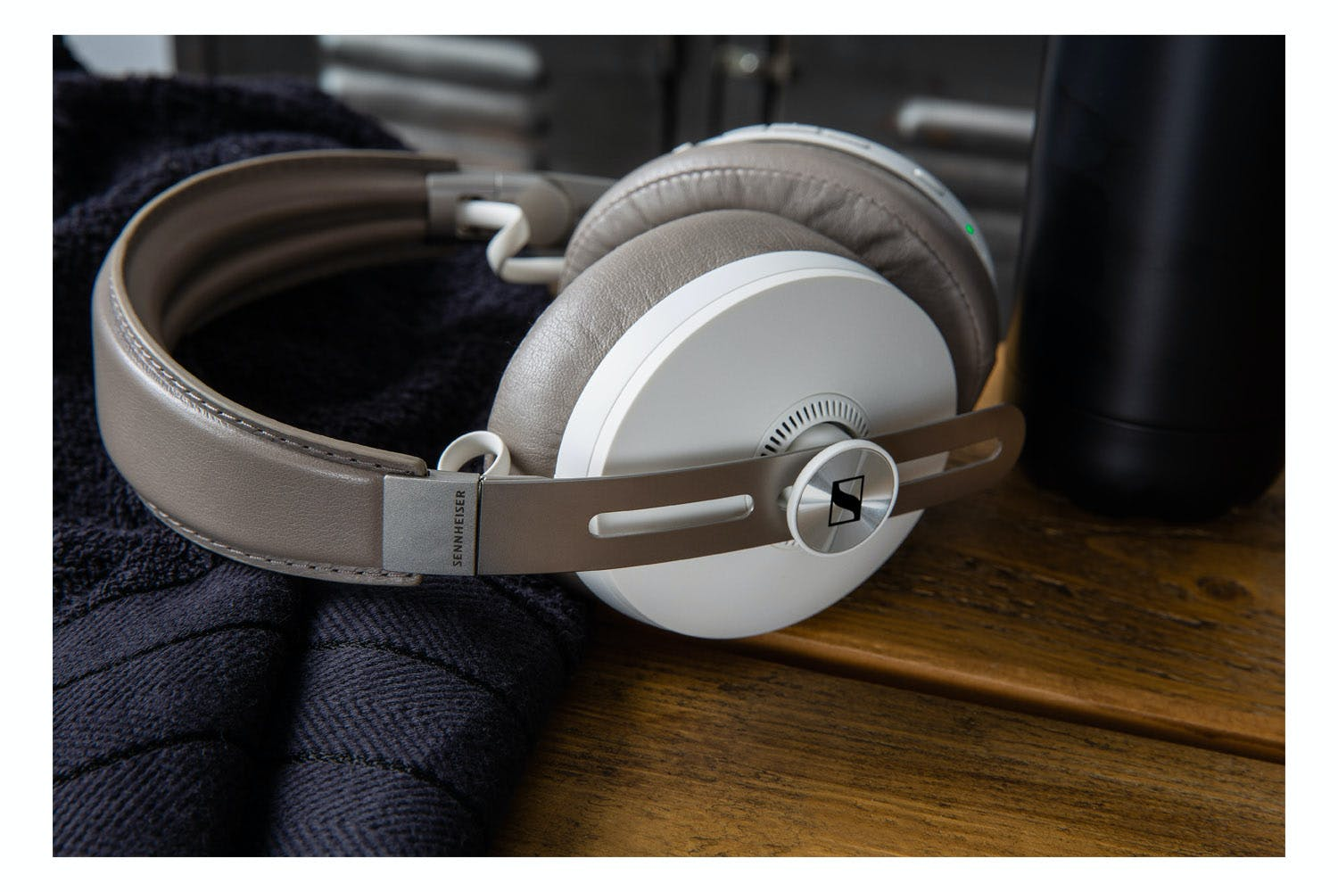Sennheiser Momentum 3 Wireless Headphones | Sandy White