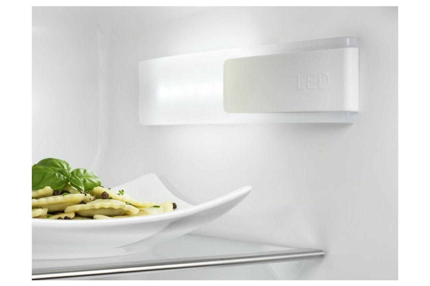 Electrolux Integrated Fridge Freezer | ENN2743AOW