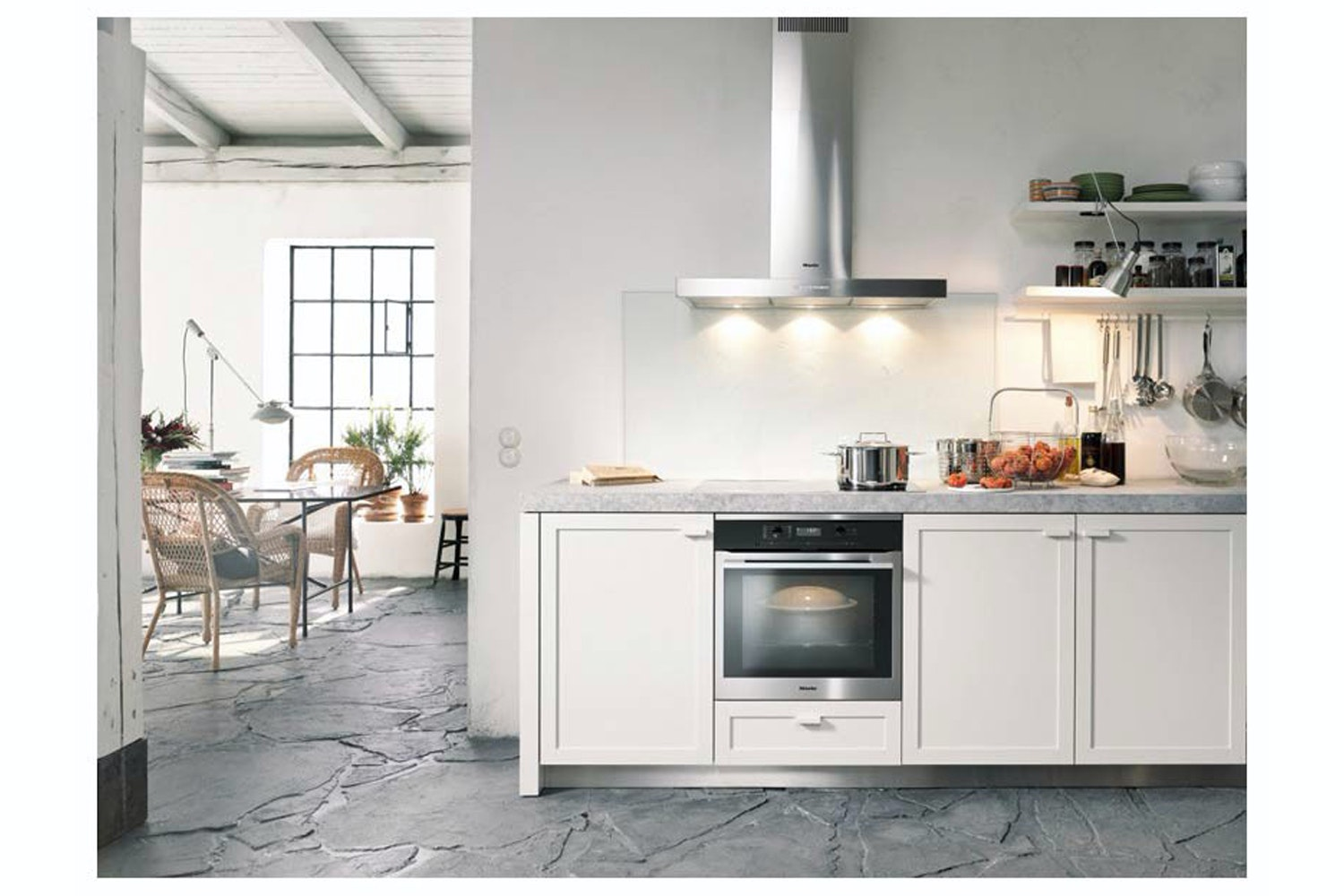 Miele H 6160 B  Oven   with electronic clock and Moisture Plus for perfect cooking results
