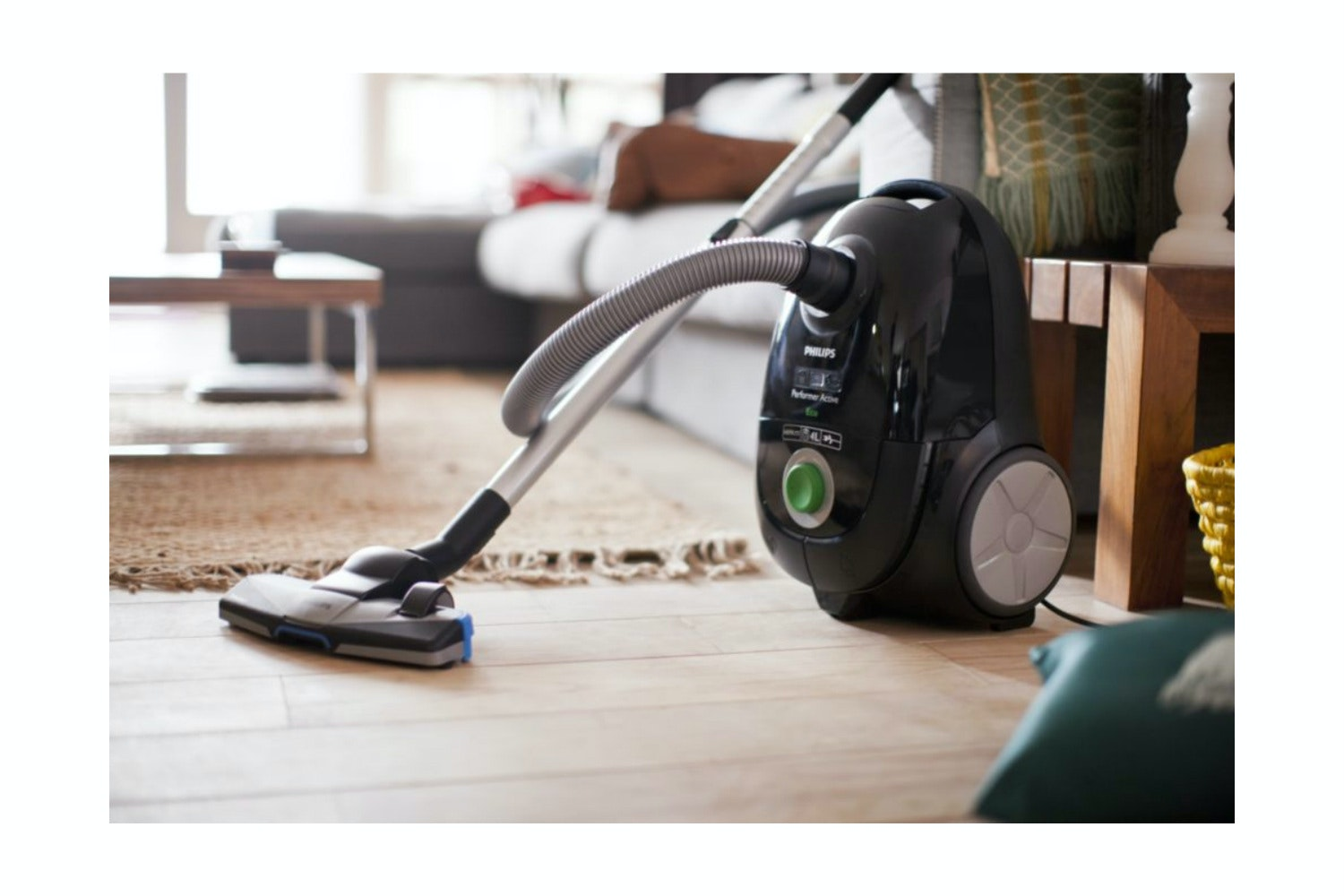 Philips Performer Active Vacuum Cleaner room
