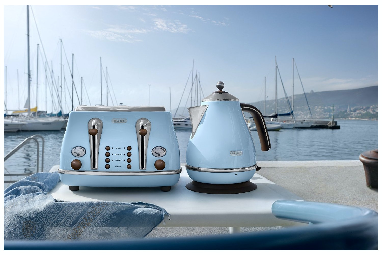 DeLonghi 1.7L Vintage Kettle | Blue