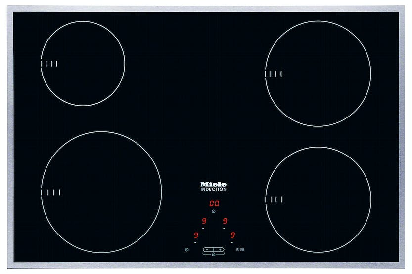 Miele KM 6118  Induction hob   with onset controls with a width of 75 cm for convenient cooking at an entry level price