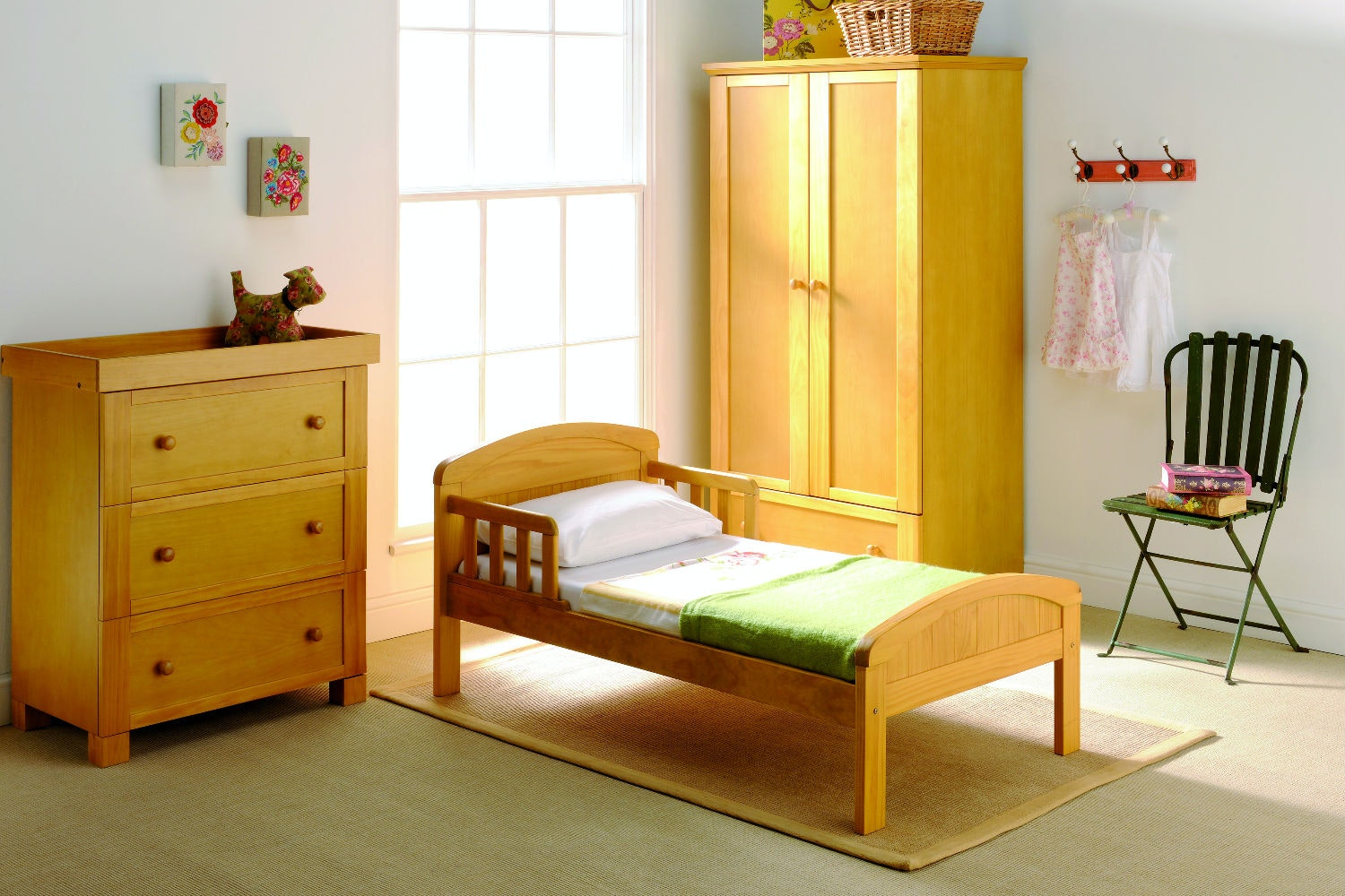 Country Toddler Bed | Antique Pine