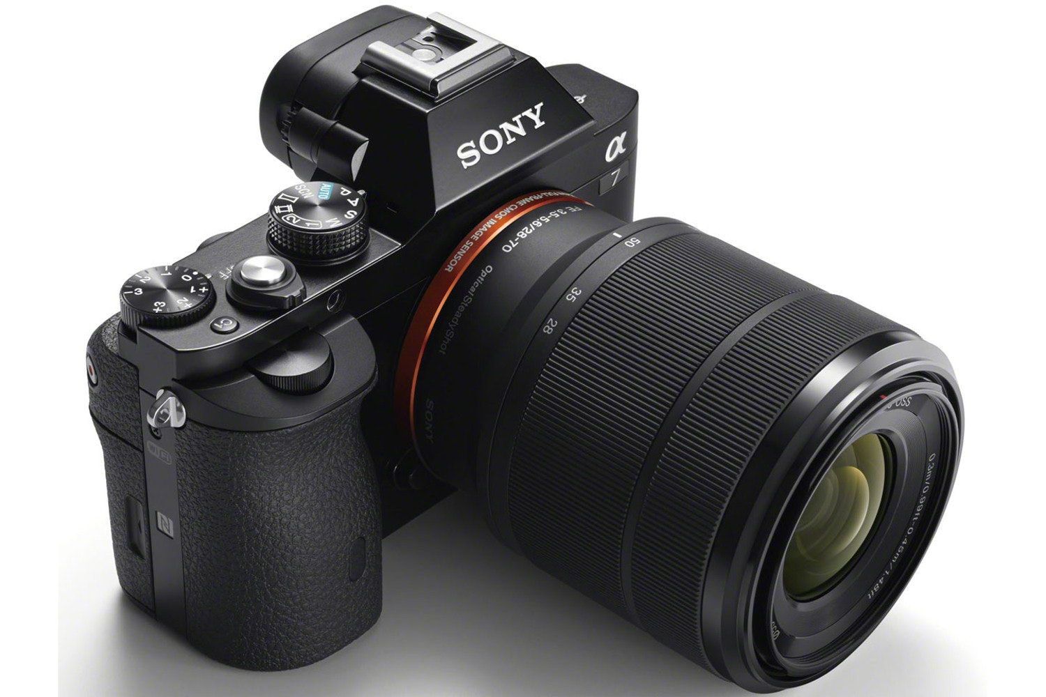 Sony Alpha a7 & 28-70mm Lens