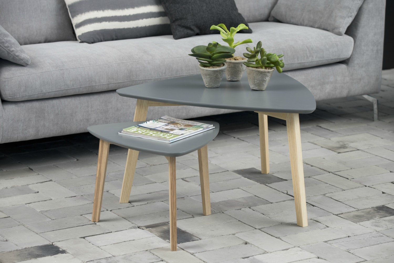 Vitis Lamp Table | Grey