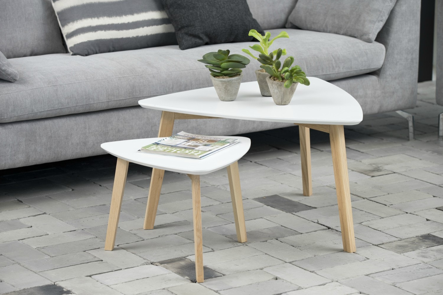 Vitis Lamp Table | White