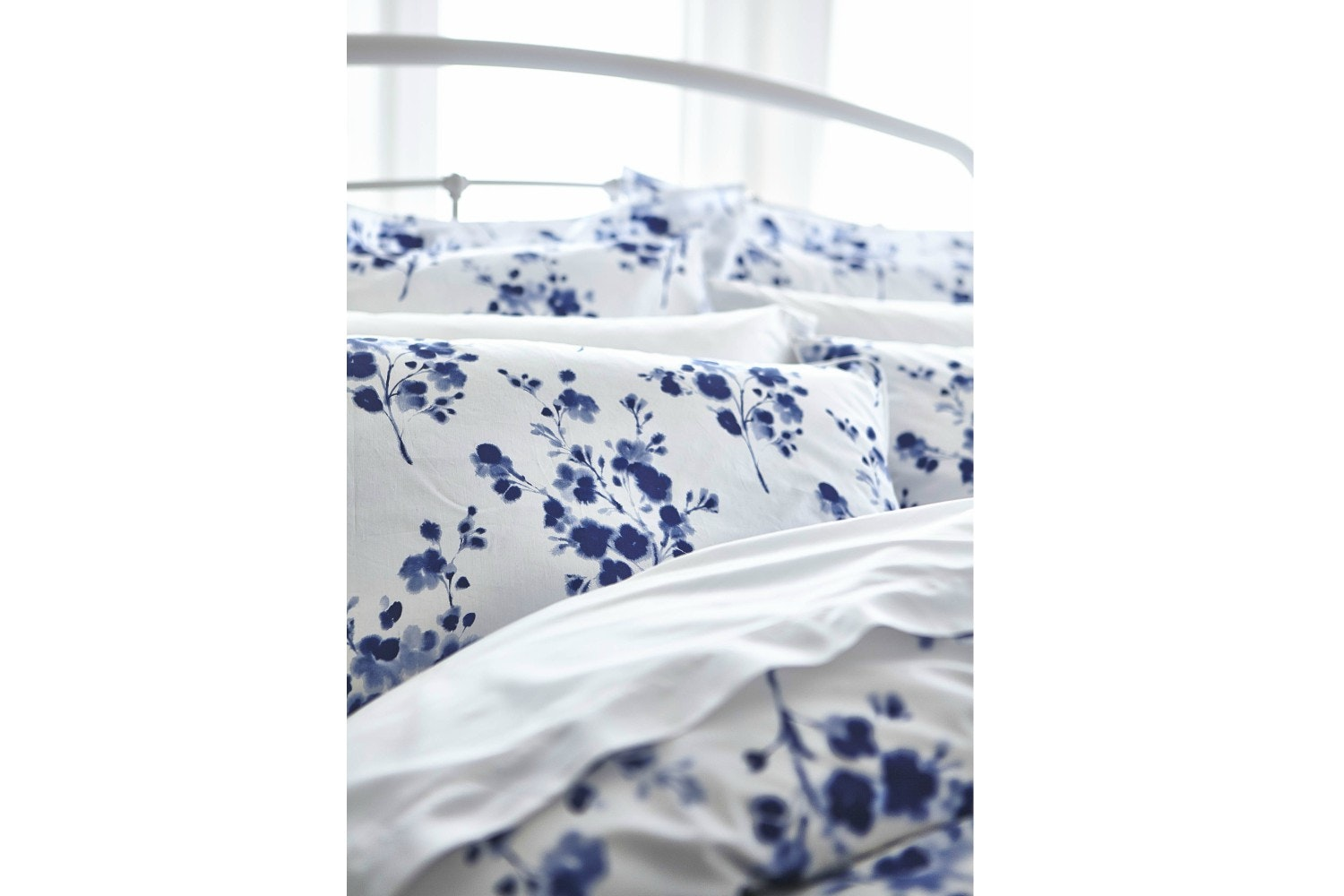 Sprig Cotton Print Blue Pillowcase