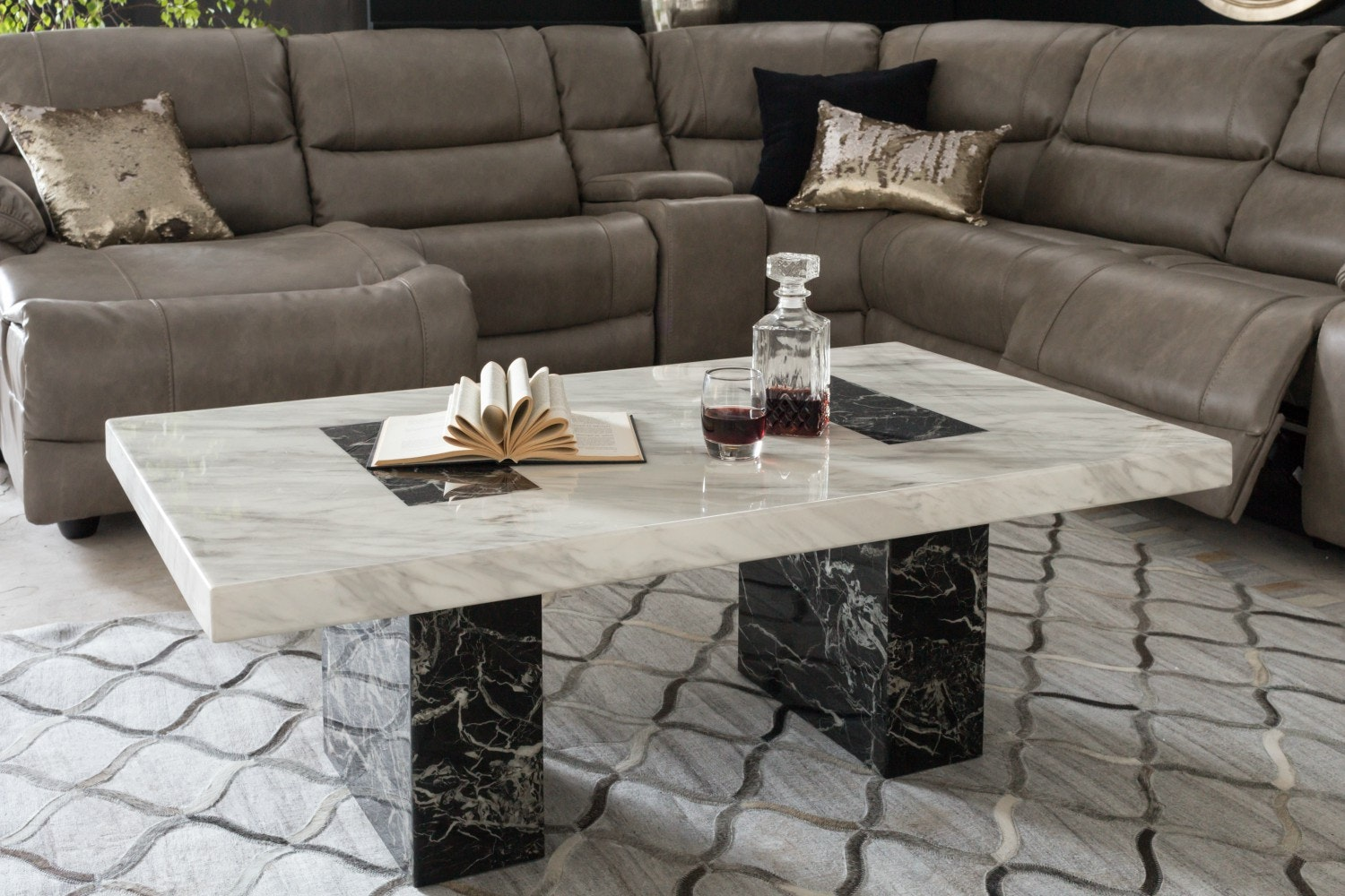 Strasbourg Coffee Table | Black & White