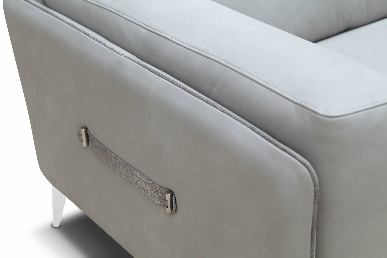 Montgomery 2 Seater Maxi