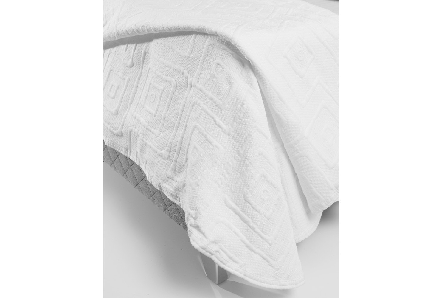 The Linen Room Lisbon Bedspread | White