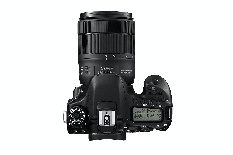Canon EOS 80D & 18-135mm IS USM Lens