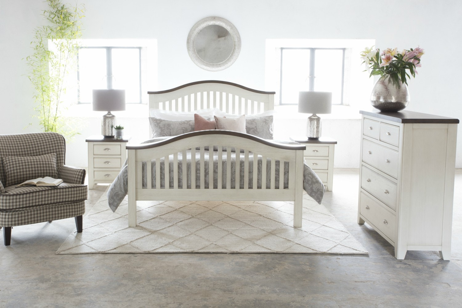Wellington Bedside|Cream| 3 Drawers