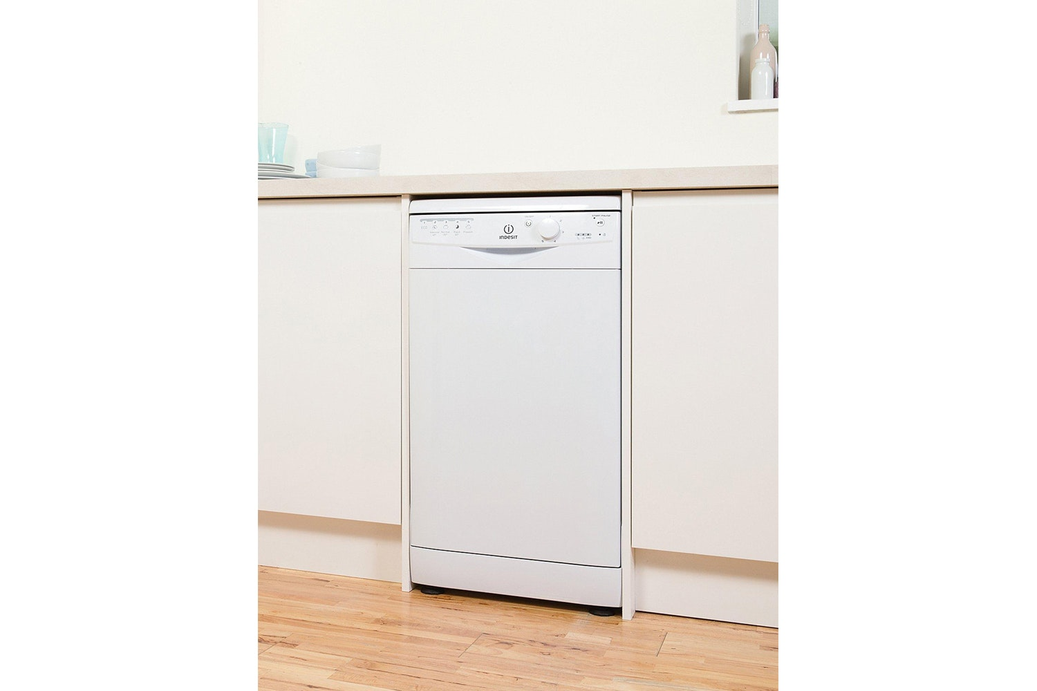 Indesit Slimline Dishwasher | 10 Place | DSR15B