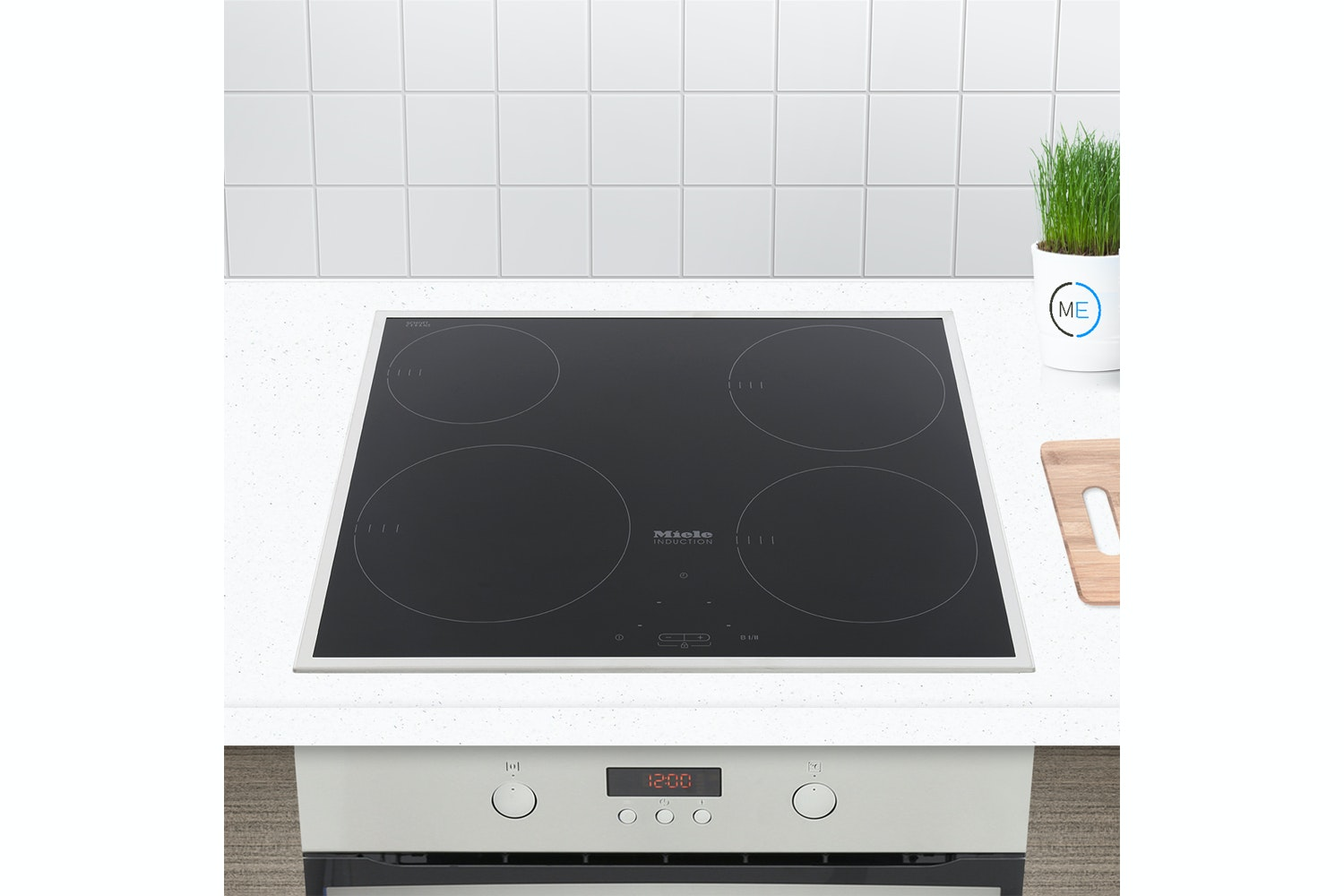 Miele KM 6115  Induction hob   with onset controls with 4 cooking zones for maximum convenience at an attractive entry level price