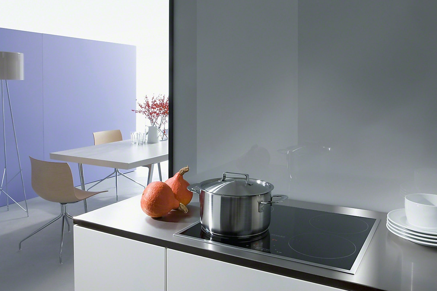 KM 6115  Induction hob with onset controls   with 4 cooking zones for maximum convenience at an attractive entry level price