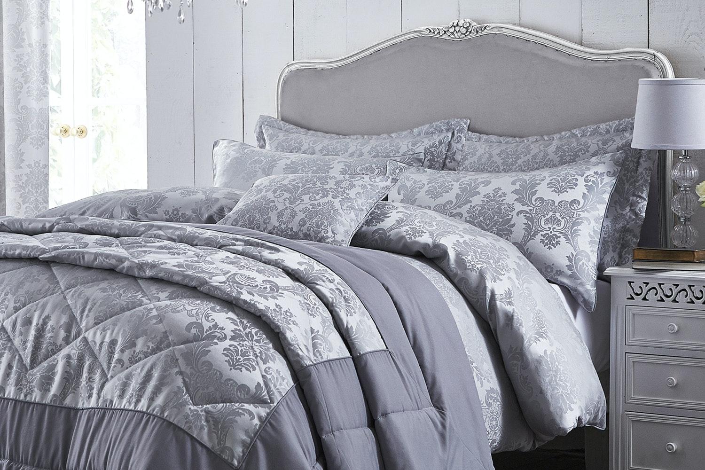 Damask Jaquard Bedspread   Silver