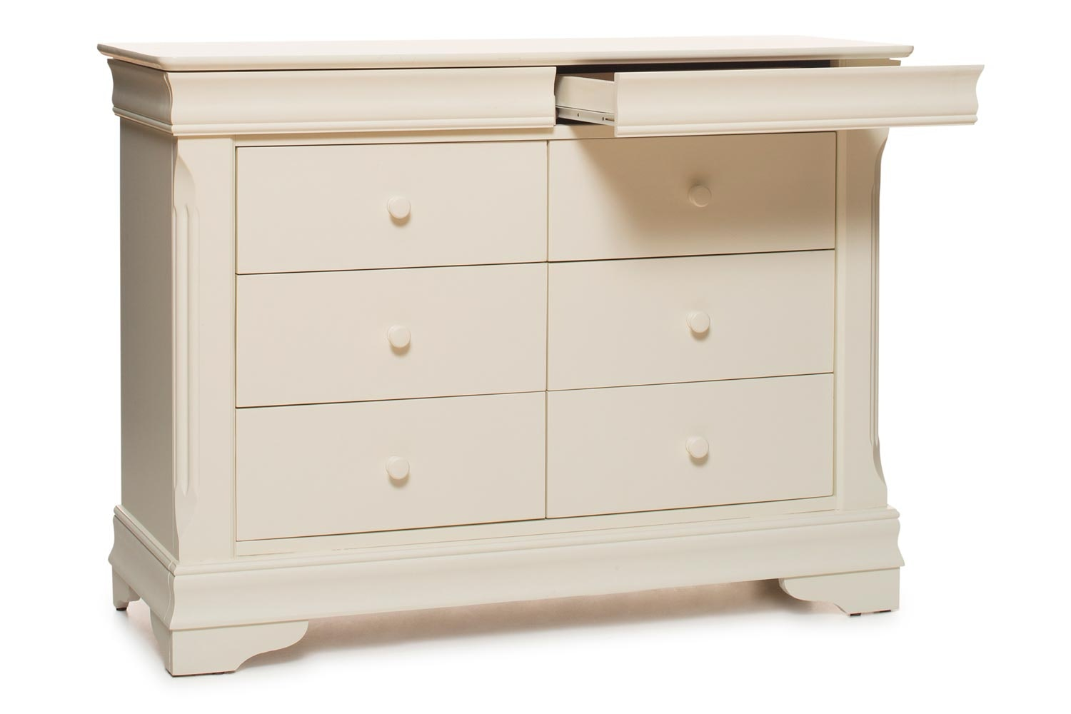 Chantelle 8 Drawer Dresser Chest | Creme