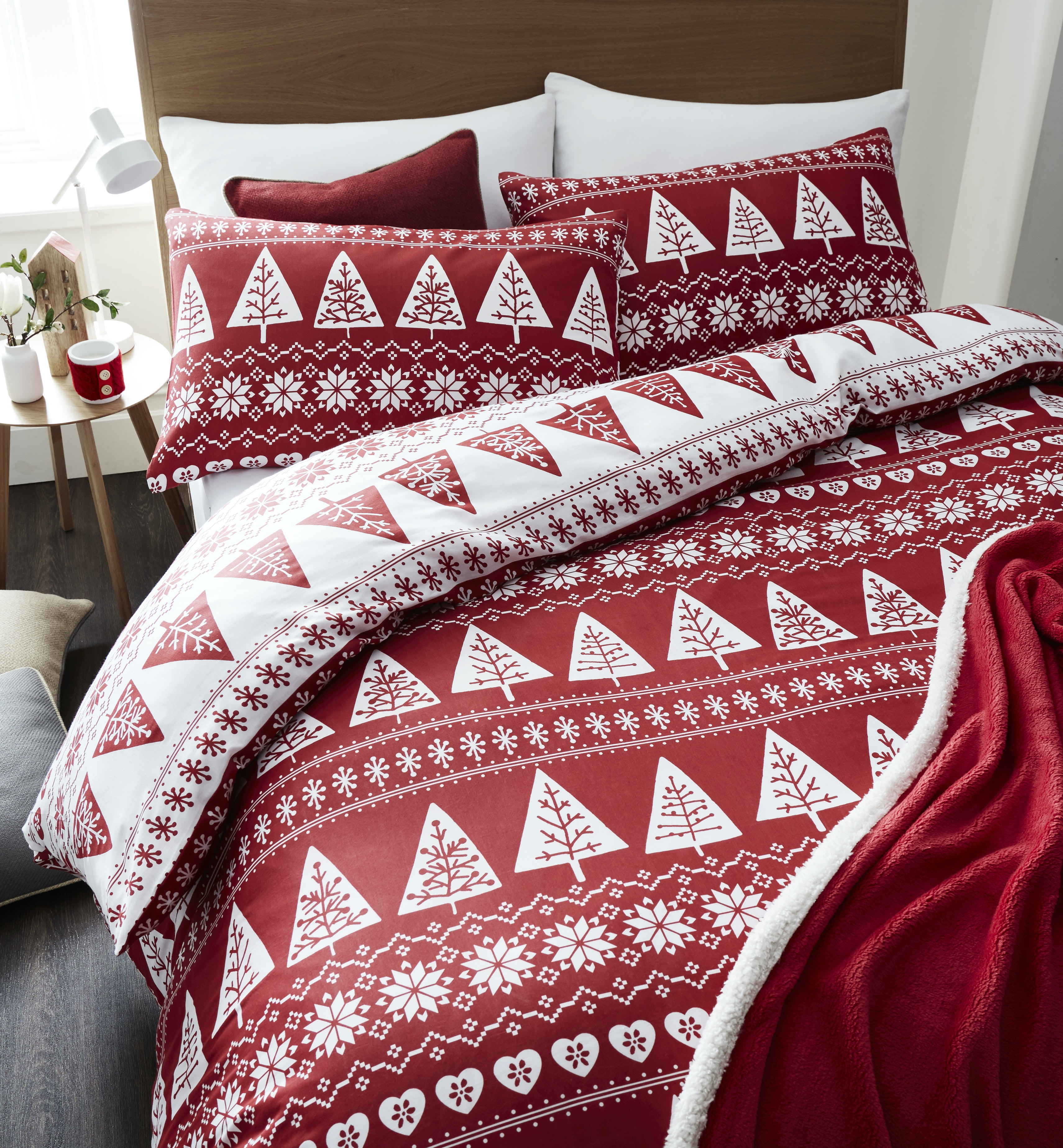 Nordic Trees Red Quiltset | Single